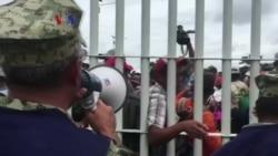 Kafilah Ribuan Migran Dihadang Aparat Meksiko