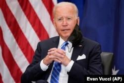 Presiden Joe Biden saat berbicara di KTT COVID-19 virtual Majelis Umum Perserikatan Bangsa-Bangsa, di Auditorium Pengadilan Selatan di kGedung Putih, Rabu, 22 September 2021, di Washington. (Foto: AP/Ivan Vucci)