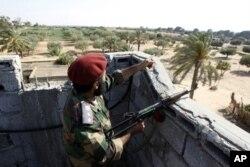 Un rebelle libyen à Misrata