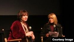 Лесли Удвин и Кэти Курик во время обсуждения фильма. Фото: Oleg Sulkin