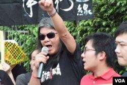 香港社民連前主席梁國雄。(美國之音湯惠芸攝)