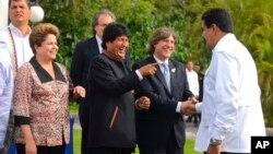 Los mandatarios de Latinoamérica parecen estar más alejados de EE.UU. en la última década, lo que, según funcionarios estadounidenses, podría poner en peligro la seguridad de la región.