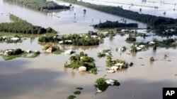 Tư liệu - Lũ lụt ở tỉnh Long An, ngày 13 tháng 10, 2011.