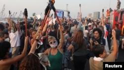 2020年9月4日人们静默一分钟纪念黎巴嫩贝鲁特港口大规模爆炸一个月。
