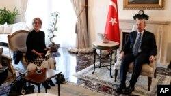 Raportör Callamard ziyaretin ilk gününde Bakan Çavuşoğlu ile görüştü