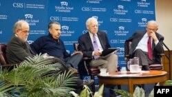 (Soldan sağa), Bülent Alirıza, Tom Friedman, CBS televizyonu Washington başmuhabiri Bob Schieffer ve Morton Abramowitz