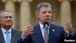 Presiden Kolombia Juan Manuel Santos dalam konferensi pers di Bogota (28/8).