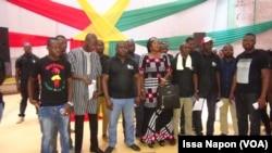Les leaders de la coalition et leurs entourages à Ouagadougou, Burkina, le 28 mai 2017. (VOA/Issa Napon)