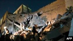 NATO təyyarələri Qəzzafinin iqamətgahını vurublar