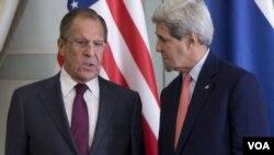 د امریکا د بهرینو چارو وزیر د خپل روسې سیال سرگې لاروف سره