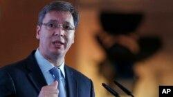 Arhiva - Aleksandar Vučić, aktuelni premijer i novoizabrani predsednik Srbije (AP Photo/Darko Vojinovic)