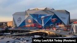استادیوم مرسدس بنز در آتلانتا، ایالت جورجیا، محل برگزاری سوپربال ۵۳