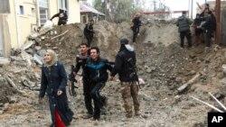 باشندهگان رمادی از برگشت به شهر منع شده اند، زیرا داعشیان هزاران ساختمان را در شهر ماین گذاری کرده اند