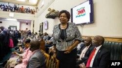 Les membres du Parlement du Zimbabwe se préparent à prêter serment à Harare le 5 septembre 2018.