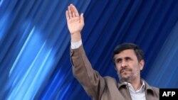 İran prezidenti ABŞ və İsraili tənqid edir