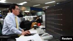 지난 3월 북한의 소행으로 추정되는 해킹 공격으로 한국 주요 방송사와 은행 등의 전산망이 마비됐다. (자료사진)