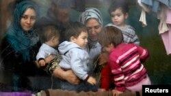 مہاجر خواتین و بچے۔