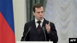 Дмитрий Медведев призвал богатых делиться доходами