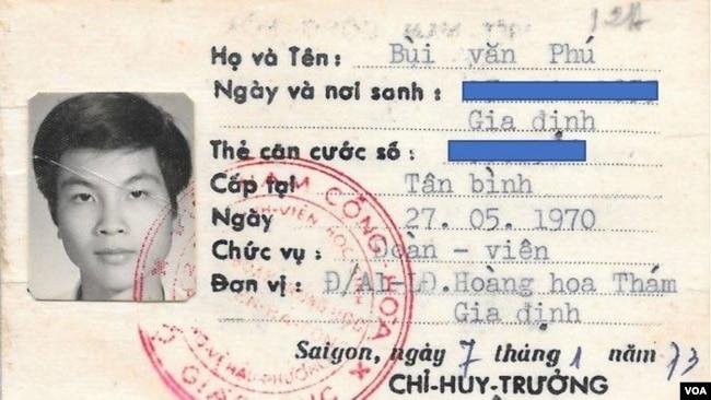 Thẻ đoàn viên Lực lượng Sinh viên Học sinh Phòng vệ Hậu phương (Ảnh: Bùi Văn Phú)