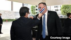 日本外交大臣茂木敏充2020年10月6日接待到访的美国国务卿蓬佩奥(茂木敏充推特账号)