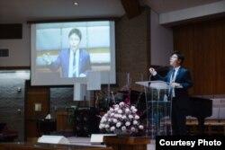 13일 미국 워싱턴 인근 메릴랜드의 베델교회에서 '북한 동족과 통일을 위한 통곡기도회'가 열렸다. 한국 내 탈북자 구출 인권단체를 이끌고 있는 '나우'의 지성호 대표가 기도회에서 북한의 열악한 인권 상황에 대해 증언했다. 사진 제공: 노체인.