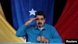 니콜라스 마두로 베네수엘라 대통령이 30일 자신의 이름을 딴 주간 TV 방송 '마두로와 함께 하는 일요일'에 출연했다.