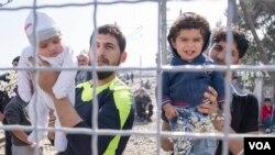 مرز مقدونیه و یونان به روی پناهجویان مسدود است