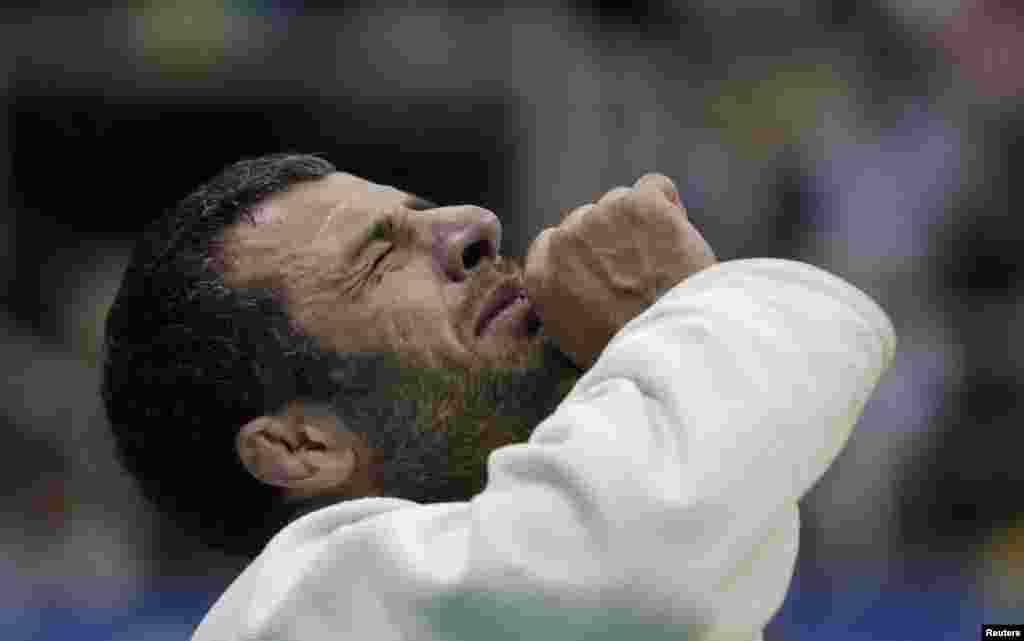 Elkhan Mammadov of Azerbaijan celebrates after his victory against Henk Grol of the Netherlands during their men's under 100kg final during the 2013 Judo World Championships in Rio de Janeiro August 31, 2013. REUTERS/Ricardo Moraes (BRAZIL - Tags: SPORT