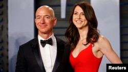 Jeff Bezos and MacKenzie Bezo
