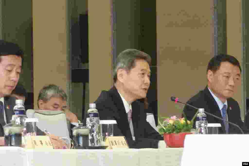 国台办主任张志军于两岸事务首长会议会前致词 (美国之音张佩芝拍摄)