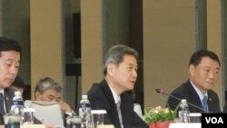 中国国台办主任张志军于第二次两岸事务首长会议会前致词 (2014年6月25日,美国之音张佩芝拍摄)