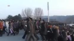 朝鲜人春节祭拜金日成和金正日