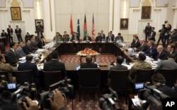 Các đại biểu từ Afghanistan, Pakistan, Hoa Kỳ và Trung Quốc thảo luận về một lộ trình để kết thúc cuộc chiến với Taliban tại Dinh Tổng Thống ở Kabul, Afghanistan, ngày 18/1/2016.