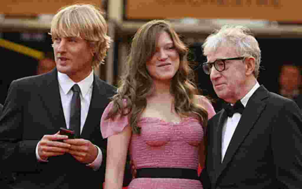 """Mejor Película: ¨Medianoche en París"""", dirigida por Woody Allen, nominado a su vez para el premio de Mejor Director."""