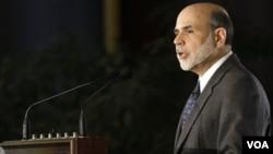 Ben Barnanke presidió las deliberaciones de la Reserva Federal, que analizó con mayor optimismo la marcha de la economía en el mes de diciembre de 2010.