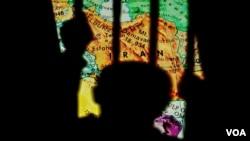 پوستر مربوط نقض حقوق اقلیتهای قومی و مذهبی در ایران