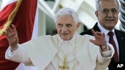 Paus Benediktus XVI akan bertemu tokoh-tokoh Islam Lebanon dalam kunjungan tiga hari di Lebanon (14/9).