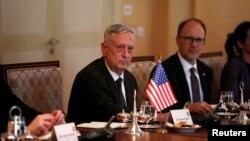 دیدار جیم متیس وزیر دفاع ایالات متحده و هیئت همراه با مسعود بارزانی رئیس اقلیم کردستان عراق در شهر اربیل - ۳۱ مرداد ۱۳۹۶