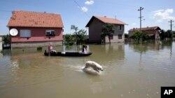 Poplave u jednom od sela blizu Beograda