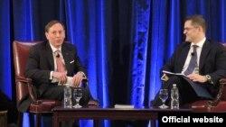 Penzionisani general Dejvid Petreus razmotrio je američku spoljnu politiku na forumu u organizaciji CIRSD-a.