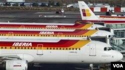 Kegiatan bandara Spanyol yang sempat terhenti akibat pemogokan, hari Minggu ini kembali normal.