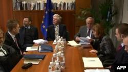 Bruksel, përfundojnë bisedimet e para Prishtinë-Beograd