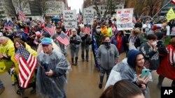 Протест у Мічигані за відновлення роботи бізнесу 30 квітня 2020 року