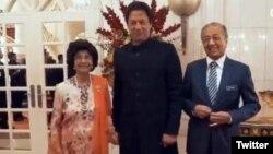 عمران خان د مالیزیا د صدراعظم او د هغه د میرمن سره