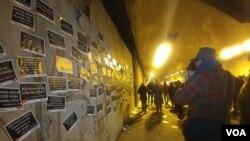Sa protesta 1 od 5 miliona iz Terazijskog tunela, (Photo: Veljko Popović, VOA)