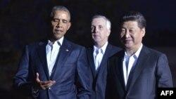 Tổng thống Barack Obama và Chủ tịch Tập Cận Bình đi bộ từ Nhà Trắng đến nhà khách để dùng bữa tối và bàn công việc, ngày 24/9/2015.