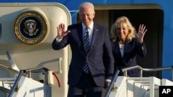 U.S. President Joe Biden and First Lady Jill Biden arrive at RAF Mildenhall, England, ahead of the G7 summit in Cornwall, June 9, 2021. U.S. President Joe Biden and First Lady Jill Biden arrive at RAF Mildenhall, England, ahead of the G7 summit in Cornwa