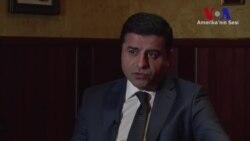Demirtaş'tan Hükümete ve PKK'ya Eleştiri