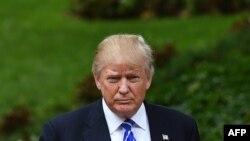 កាសែត New York Times រាយការណ៍ថា លោក Donald Trump បេក្ខជនប្រធានាធិបតីខាងគណបក្សសាធារណរដ្ឋ បានបញ្ចៀសការបង់ពន្ធរាប់ទសវត្សរ៍។
