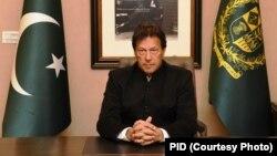 وزیرِ اعظم عمران خان پلوامہ حملے پر پالیسی بیان دیتے ہوئے۔ 19 فروری 2019